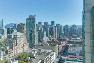 """Photo 2: 2205 388 DRAKE Street in Vancouver: Yaletown Condo for sale in """"GOVERNOR'S TOWNER"""" (Vancouver West)  : MLS®# R2276947"""