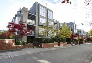 Photo 1: 212 2288 MARSTRAND Avenue in Vancouver: Kitsilano Condo for sale (Vancouver West)  : MLS®# R2431366