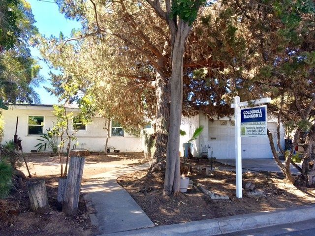 Main Photo: CLAIREMONT House for sale : 3 bedrooms : 2926 Fairfield St. in San Diego