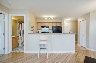 "Photo 10: 2424 244 SHERBROOKE Street in New Westminster: Sapperton Condo for sale in ""COPPERSTONE"" : MLS®# R2555003"