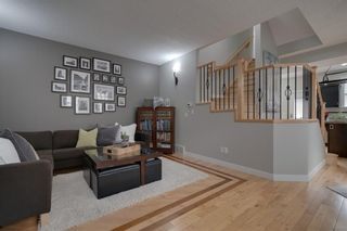 Photo 2: #2 424 9 AV NE in Calgary: Renfrew House for sale : MLS®# C4293883