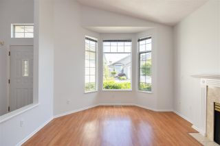 """Photo 9: 122 9012 WALNUT GROVE Drive in Langley: Walnut Grove Townhouse for sale in """"QUEEN ANNE GREEN"""" : MLS®# R2584394"""