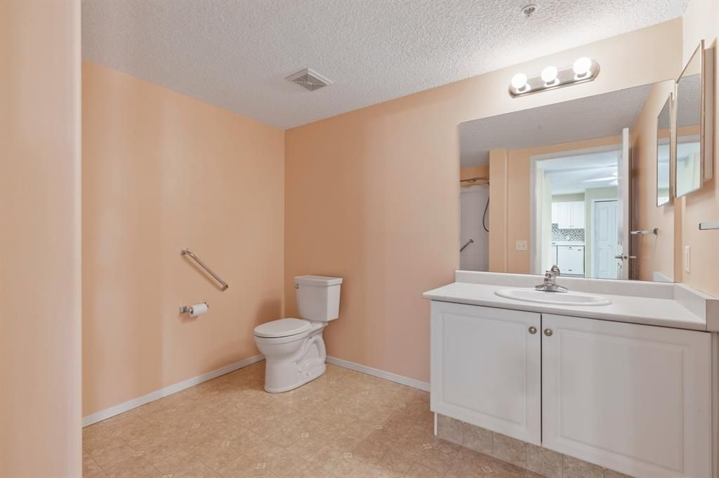 Photo 16: Photos: 205 5000 Somervale Court SW in Calgary: Somerset Apartment for sale : MLS®# A1101602