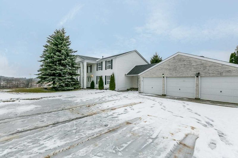 FEATURED LISTING: 675585 Hurontario Street Mono