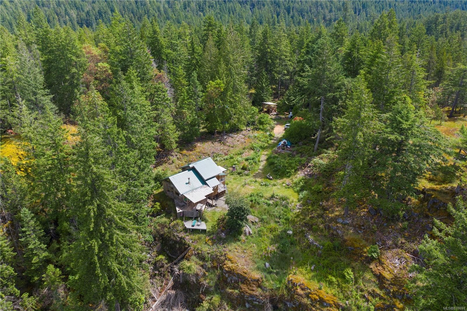 Photo 13: Photos: 979 Thunder Rd in : Isl Cortes Island House for sale (Islands)  : MLS®# 878691