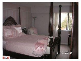 """Photo 5: 207 33956 ESSENDENE Avenue in Abbotsford: Central Abbotsford Condo for sale in """"Hillcrest Manor"""" : MLS®# R2104673"""