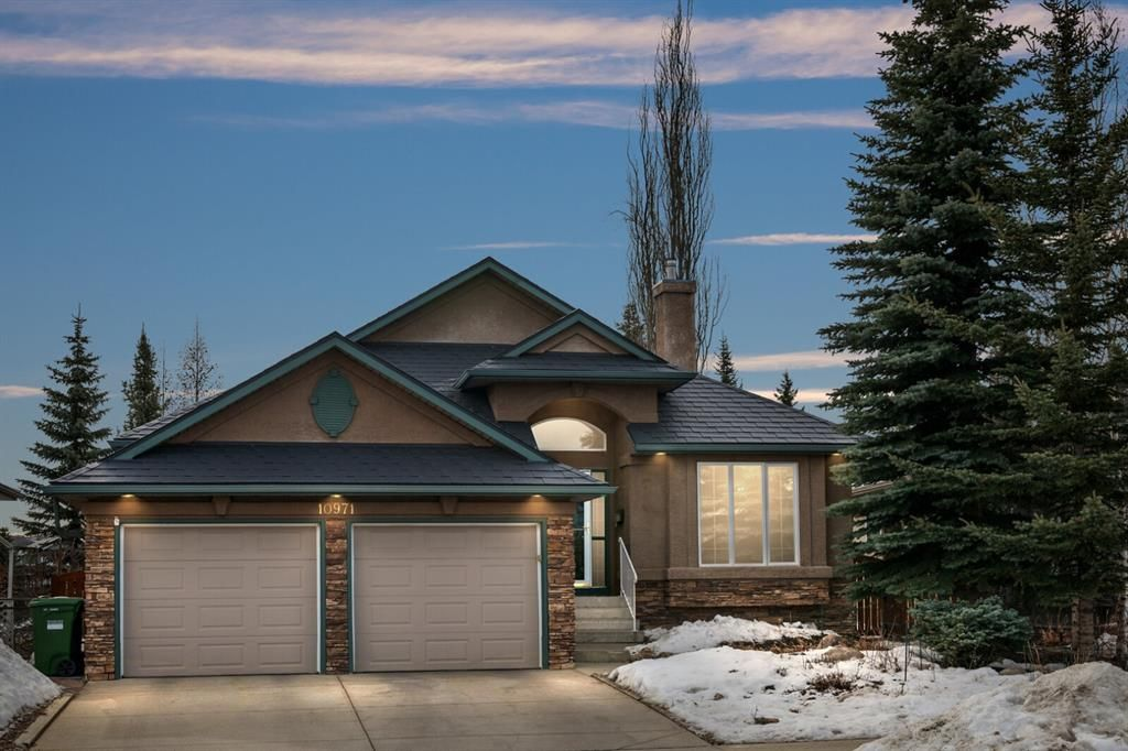 Main Photo: 10971 Valley Springs Road NW in Calgary: Valley Ridge Detached for sale : MLS®# A1081061