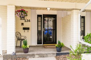 Photo 2: 134 3437 42 Street NW in Calgary: Varsity Row/Townhouse for sale : MLS®# A1111538