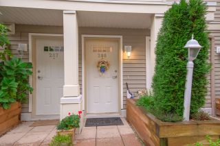 """Photo 2: 208 2432 WELCHER Avenue in Port Coquitlam: Central Pt Coquitlam Townhouse for sale in """"GARDENIA"""" : MLS®# R2522878"""