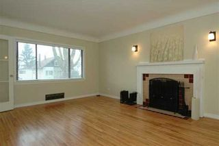 Photo 2: 121 E 42ND Ave in Vancouver: Main House for sale (Vancouver East)  : MLS®# V628107