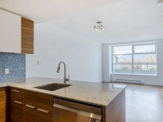 """Photo 7: 204 4375 W 10TH Avenue in Vancouver: Point Grey Condo for sale in """"The Varsity"""" (Vancouver West)  : MLS®# R2552003"""
