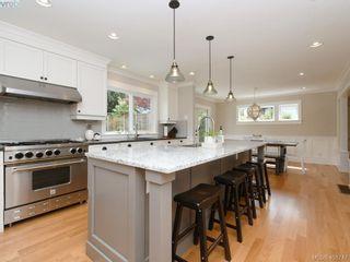 Photo 9: 953 Pattullo Pl in VICTORIA: OB South Oak Bay House for sale (Oak Bay)  : MLS®# 812038