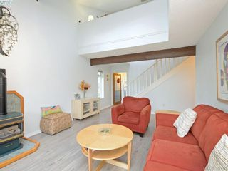 Photo 3: 11 1950 Cultra Ave in SAANICHTON: CS Saanichton Row/Townhouse for sale (Central Saanich)  : MLS®# 779044
