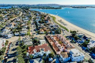 Photo 3: CROWN POINT Townhouse for sale : 3 bedrooms : 3706 Haines St in San Diego