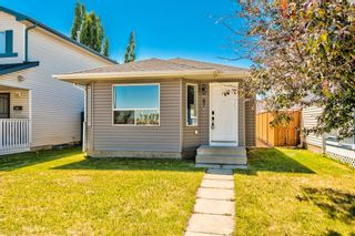 Photo 2: 87 Applebrook Circle SE in Calgary: Applewood Park Detached for sale : MLS®# A1132043