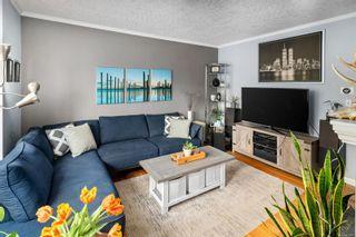 Photo 3: 1713/1715 Fernwood Rd in : Vi Fernwood House for sale (Victoria)  : MLS®# 871097