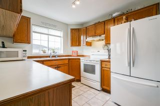 """Photo 16: 7 5760 174 Street in Surrey: Cloverdale BC Townhouse for sale in """"Stetson Village"""" (Cloverdale)  : MLS®# R2559810"""