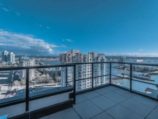 """Photo 26: 2101 1 RENAISSANCE Square in New Westminster: Quay Condo for sale in """"The Q"""" : MLS®# R2557732"""