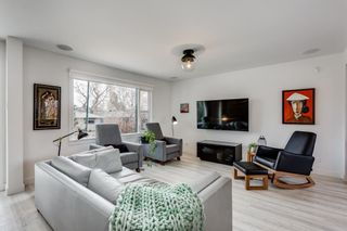 Photo 3: 2439 22A Street NW in Calgary: Banff Trail Detached for sale : MLS®# A1135055