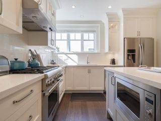 Photo 11: 2348 W 8TH AVENUE in Vancouver: Kitsilano Townhouse for sale (Vancouver West)  : MLS®# R2247812