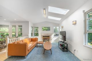 Photo 3: 2124 ELSPETH Place in Port Coquitlam: Mary Hill House for sale : MLS®# R2621138