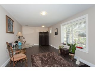 """Photo 3: 23 6929 142 Street in Surrey: East Newton Townhouse for sale in """"Redwood"""" : MLS®# R2110945"""