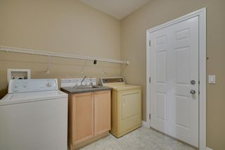 Photo 15: 212 SIMCOE Place SW in Calgary: Signal Hill Semi Detached for sale : MLS®# C4293353