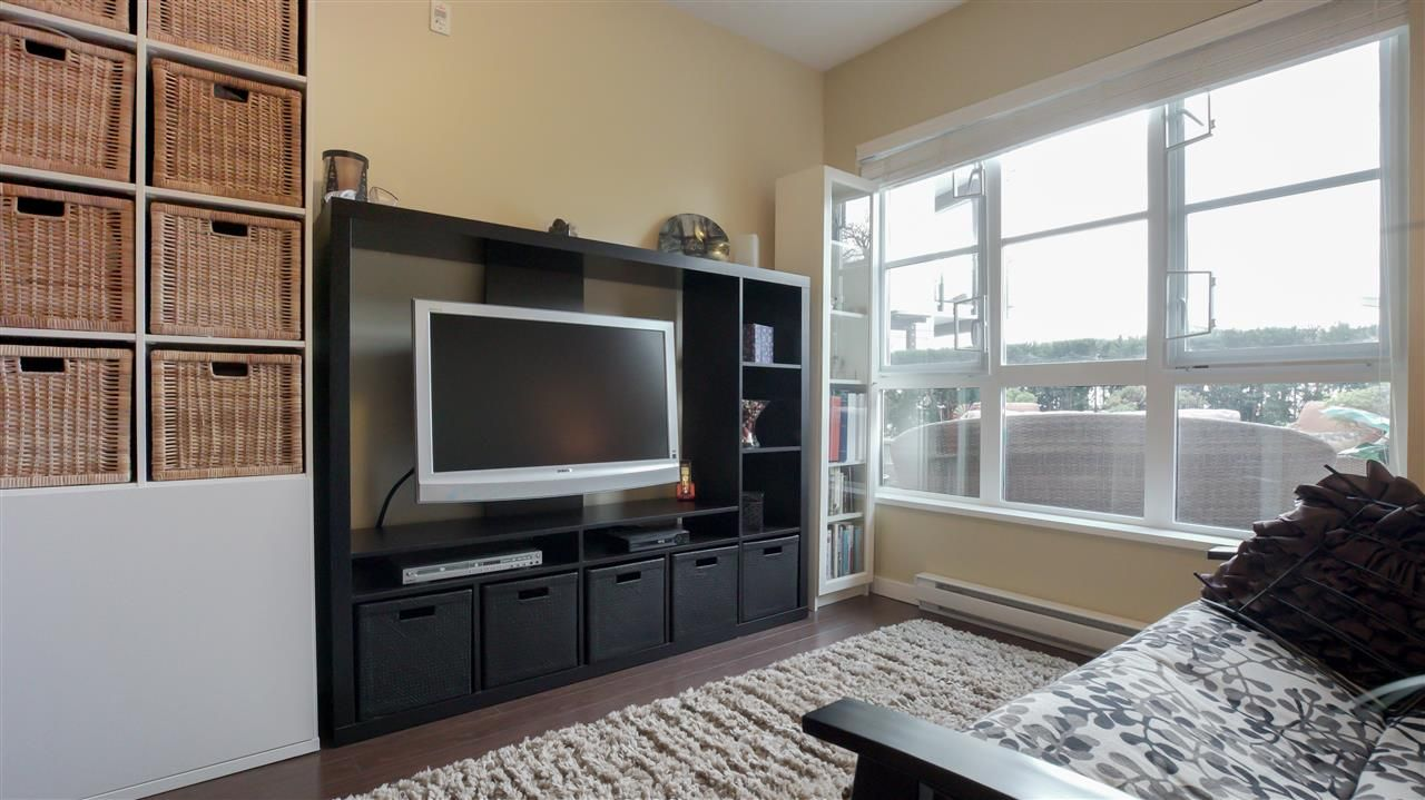 """Photo 15: Photos: 218 23215 BILLY BROWN Road in Langley: Fort Langley Condo for sale in """"WATERFRONT AT BEDFORD LANDING"""" : MLS®# R2252138"""