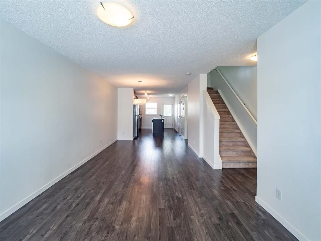 Photo 4: Photos: 544 Mckenzie Towne Close SE in Calgary: McKenzie Towne Row/Townhouse for sale : MLS®# A1128660