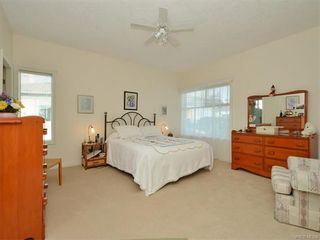 Photo 12: 11 4300 Stoneywood Lane in VICTORIA: SE Broadmead Row/Townhouse for sale (Saanich East)  : MLS®# 748264
