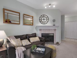 """Photo 1: 301 2755 MAPLE Street in Vancouver: Kitsilano Condo for sale in """"THE DAVENPORT"""" (Vancouver West)  : MLS®# R2122011"""