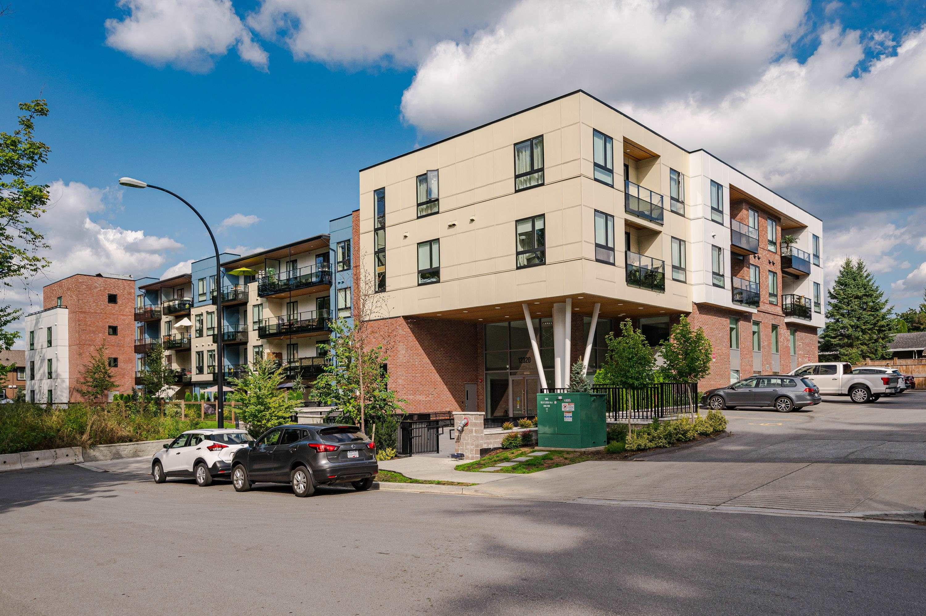 """Main Photo: PH13 12320 222 Street in Maple Ridge: West Central Condo for sale in """"The 222 Phase 2"""" : MLS®# R2617229"""