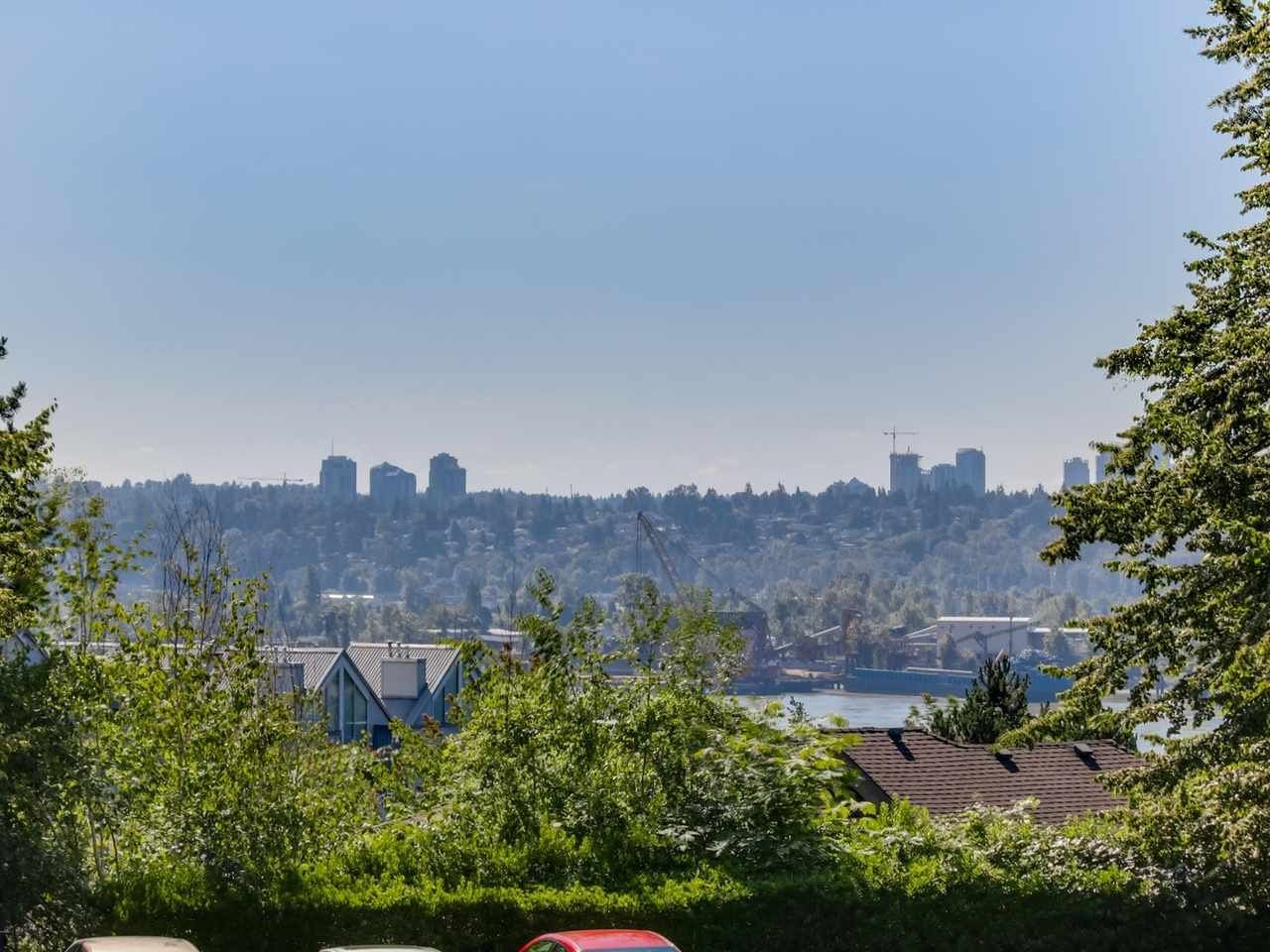 """Main Photo: 105 67 MINER Street in New Westminster: Fraserview NW Condo for sale in """"FRASERVIEW PARK"""" : MLS®# R2087095"""