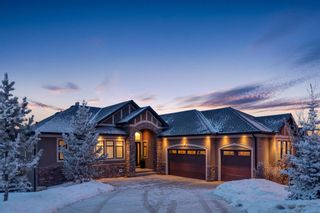 Photo 1: 2533 77 Street SW in Calgary: Springbank Hill Detached for sale : MLS®# A1065693