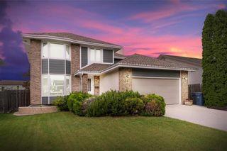 Photo 1: 34 Foxmeadow Drive in Winnipeg: Linden Woods Residential for sale (1M)  : MLS®# 202112315