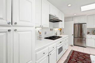 Photo 12: LA JOLLA House for sale : 4 bedrooms : 6057 Avenida Chamnez