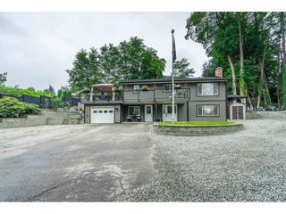 Photo 1: 33001 BRUCE Avenue in Mission: Mission BC House for sale : MLS®# R2613423
