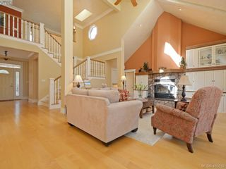 Photo 3: 1062 River Rd in VICTORIA: Hi Bear Mountain House for sale (Highlands)  : MLS®# 806632