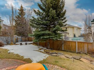 Photo 2: 67 Sierra Morena Circle SW in Calgary: Signal Hill Detached for sale : MLS®# C4239157