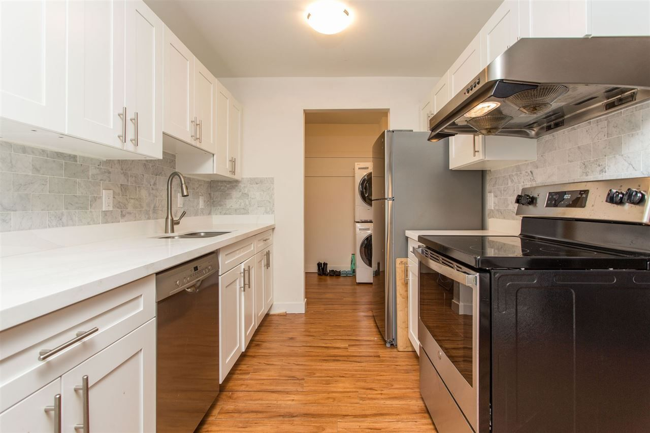 """Main Photo: 304 4625 GRANGE Street in Burnaby: Forest Glen BS Condo for sale in """"EDGEVIEW MANOR"""" (Burnaby South)  : MLS®# R2539290"""