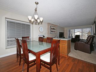 Photo 15: 99 BERNARD Court NW in Calgary: Beddington Heights Detached for sale : MLS®# C4215187