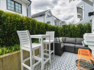 "Photo 8: 7 1133 RIDGEWOOD Drive in North Vancouver: Edgemont Townhouse for sale in ""EDGEMONT WALK"" : MLS®# R2562523"