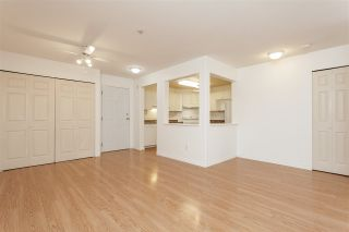 """Photo 10: 205 20189 54 Avenue in Langley: Langley City Condo for sale in """"Catalina Gardens"""" : MLS®# R2403720"""