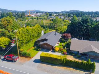Photo 1: 2516 Sooke Rd in : Co Triangle House for sale (Colwood)  : MLS®# 879338