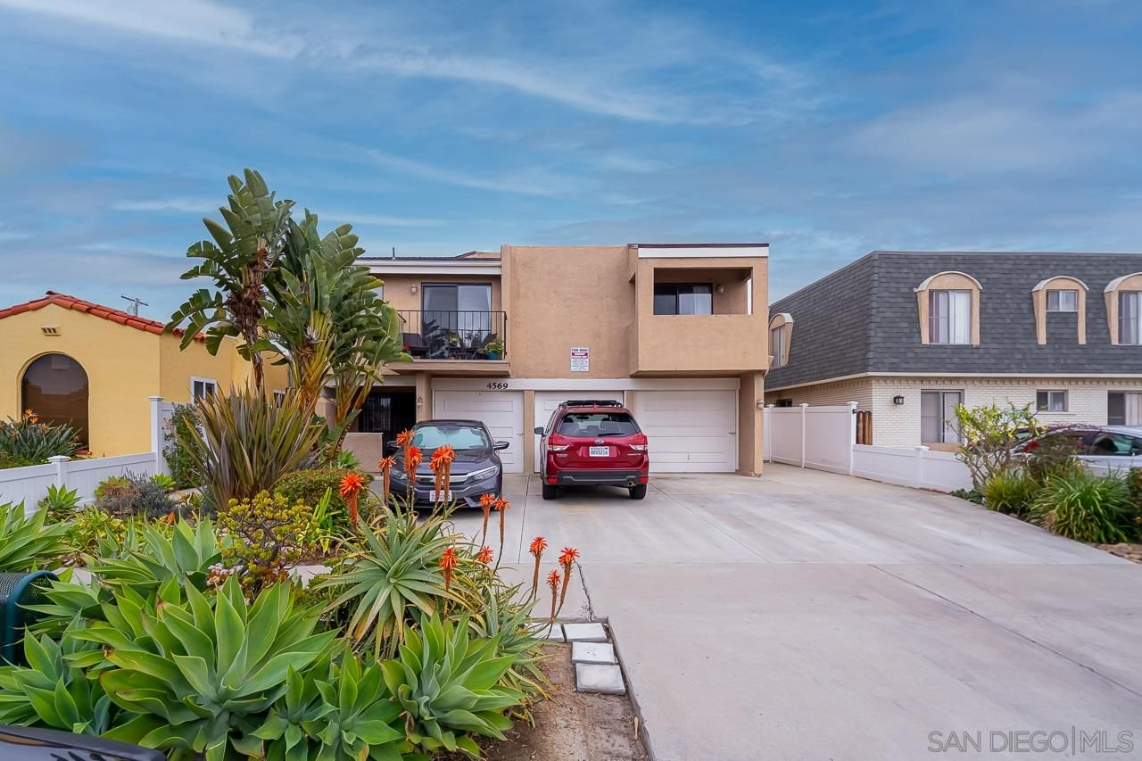 Main Photo: UNIVERSITY HEIGHTS Condo for sale : 2 bedrooms : 4569 Hamilton St #6 in San Diego