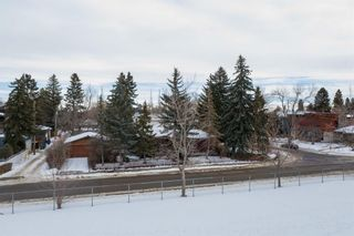 Photo 5: 540 48 Avenue SW in Calgary: Elboya Detached for sale : MLS®# A1059690