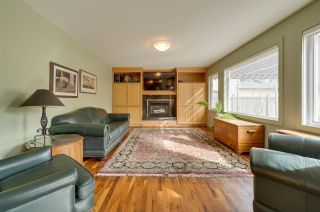 Photo 3: 40 VALLEYVIEW Crescent in Edmonton: Zone 10 House for sale : MLS®# E4248629