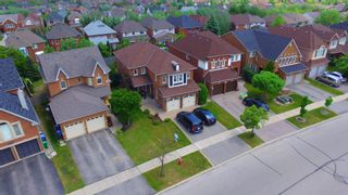 Photo 3: 5989 Greensboro Drive in Mississauga: Central Erin Mills House (2-Storey) for sale : MLS®# W4147283