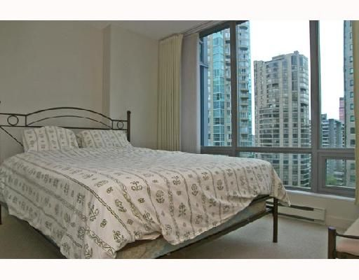 """Photo 8: Photos: 1201 1288 W GEORGIA Street in Vancouver: West End VW Condo for sale in """"RESIDENCES ON GEORGIA"""" (Vancouver West)  : MLS®# V662546"""