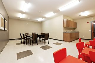 """Photo 18: 207 3082 DAYANEE SPRINGS BOULEVARD Boulevard in Coquitlam: Westwood Plateau Condo for sale in """"The Lanterns"""" : MLS®# R2443838"""